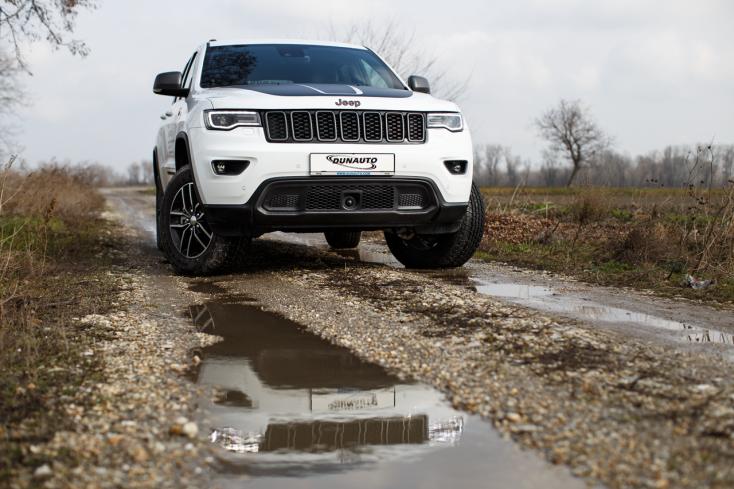 Jeep Grand Cherokee: Nehéz terepen luxuskörülmények között