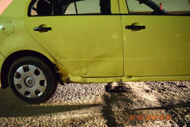 BALESET: Elsodorta, majd cserben hagyta a Škoda sofőrje a motorost