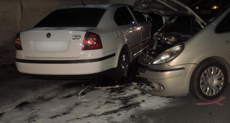 Szembejövő kocsinak csapódott a részeg sofőr, 16 éves utastársa sérült meg súlyosan