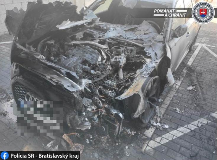 Luxuskocsik égtek Pozsonypüspökin, nem kizárt, hogy felgyújtották!