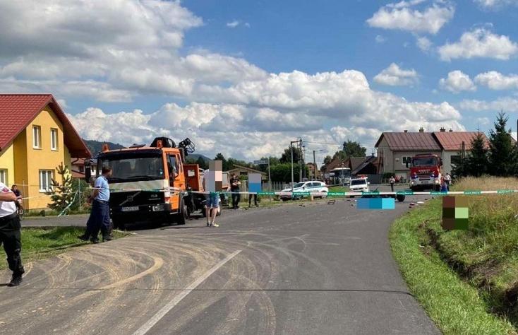 Halálos baleset: teherautóval ütközött a motoros, 42 éves férfi vesztette életét