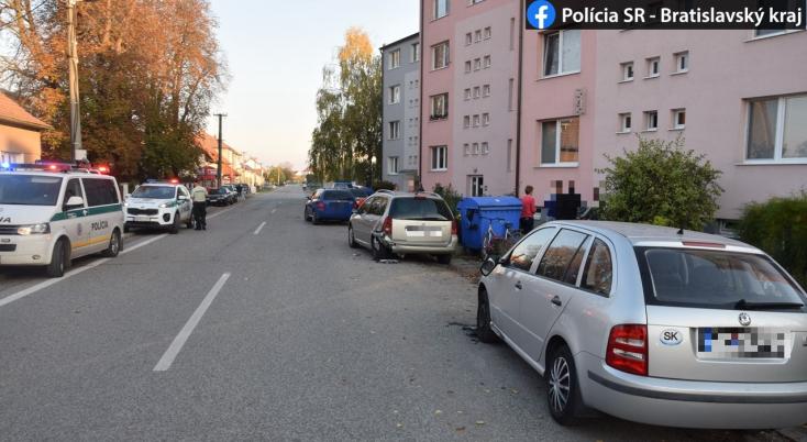 Súlyos baleset: lezúzott két kocsit és elgázolt egy nőt a figyelmetlen autós