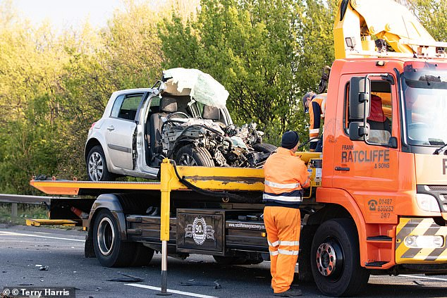 Szörnyű baleset: fiatal szlovákiai házaspár és rokonuk vesztette életét Angliában