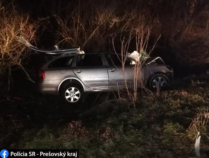 Súlyos baleset: Két személykocsi ütközött, az egyik sofőr a helyszínen meghalt