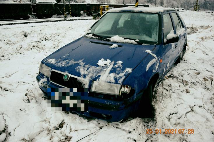 Két autóban is kárt okozott a mattrészeg sofőr