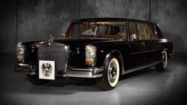 Ötmillió eurót adtak 13 oldtimer Mercedesért egy bécsi árverésen!