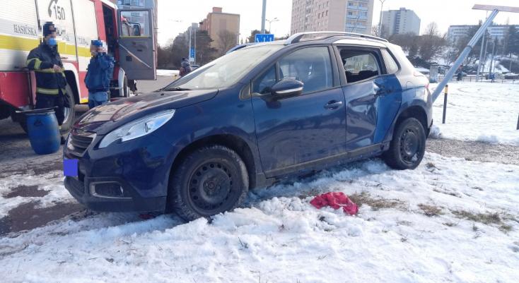 Súlyos baleset: járdaszigetre felvágódó személyautó sodorta el a 48 éves nőt