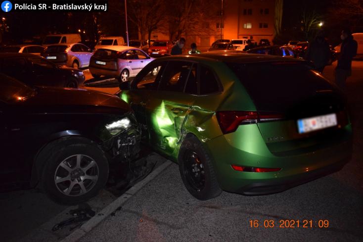 Berúgott az audis fiatalasszony, öt kocsiban tett kárt a parkolóban