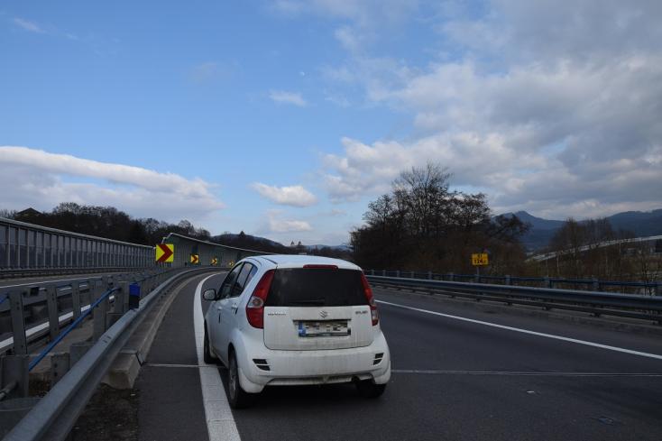 Elhagyatott autót találtak a gyorsforgalmi úton – hamar kiderült, hogy nem véletlenül került oda