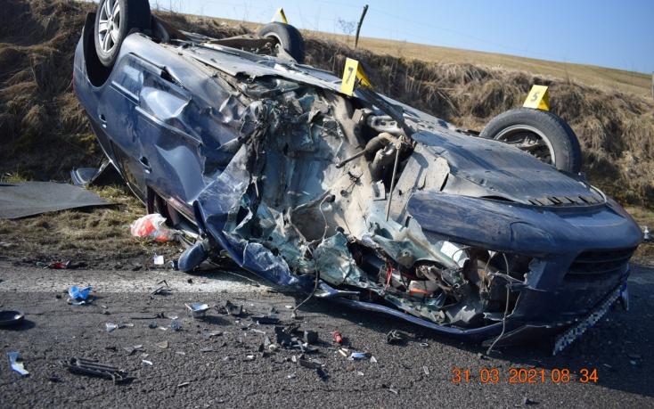 Súlyos baleset: frontálisan ütközött egy Hyundai és egy Octavia