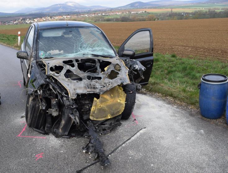 BALESET: Bekavart a szeszélyes időjárás, frontálisan ütközött egy Toyota és egy Suzuki