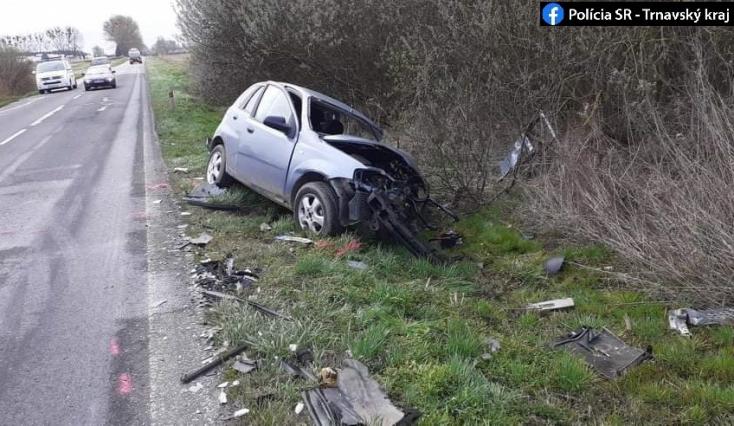 Súlyos baleset: Chevrolet és kamion ütközött frontálisan, mentőhelikopter vitt el egy 32 éves férfit (FOTÓK)