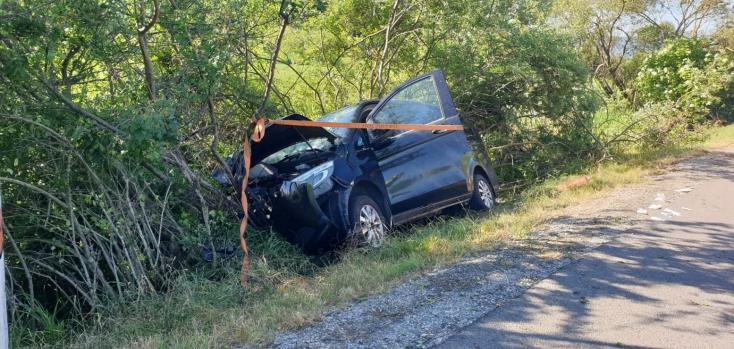 Súlyos baleset: öt ember megsérült, miután elaludt a sofőr vezetés közben (FOTÓK)