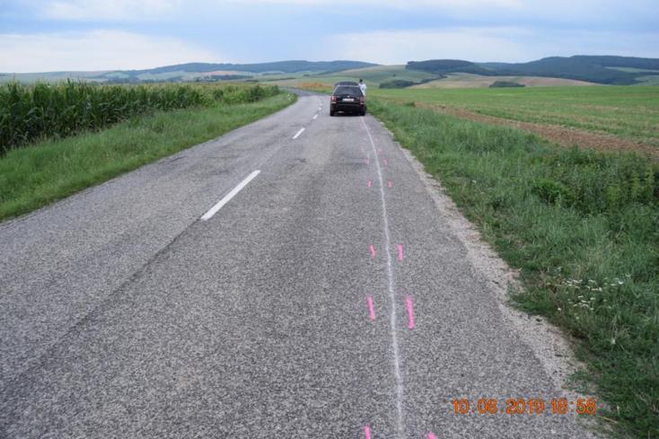 BALESET: Beláthatatlan útszakaszon előzött, súlyosan megsérült a motoros