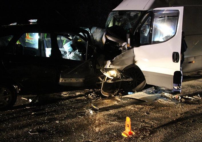 Borzalmas baleset Tatabányánál – a sofőr a helyszínen szörnyethalt