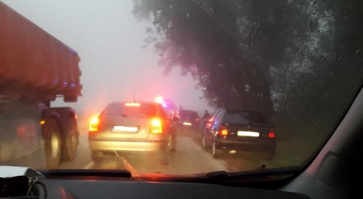Baleset történt a sűrű ködben Bős és Nyárad között
