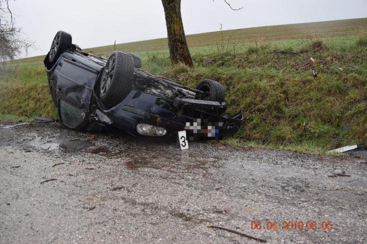 TRAGÉDIA: Nem tudták megállapítani, ki vezette az autót, amelyben szörnyethalt a 22 éves fiatal (FOTÓK)