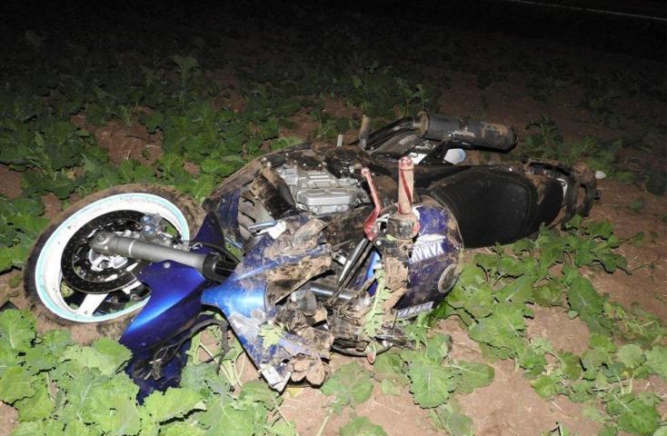 Előzés közben szenvedett súlyos balesetet egy motoros