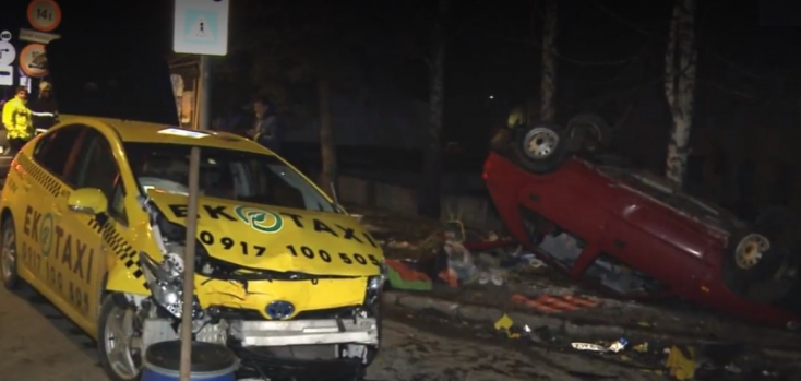 Kihajtott egy taxi elé egy Felicia, meghalt az utasa
