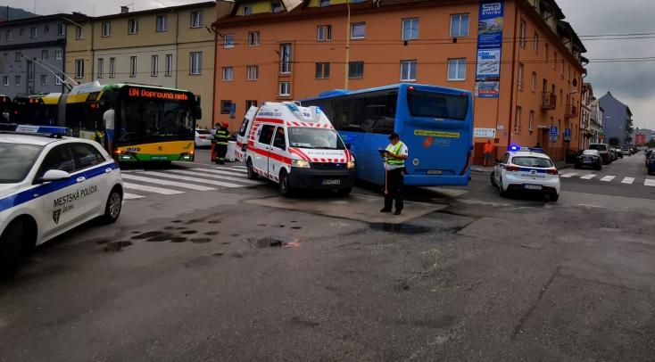 BALESET: Autóbusz gázolt halálra egy gyalogost a zebrán