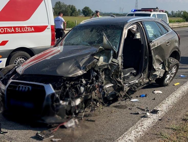 SÚLYOS BALESET: Forgalommal szemben hajtva okozott balesetet az Audi, sokan megsérültek