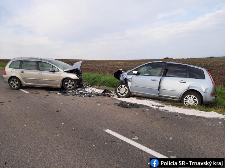 Frontális ütközés lett az előzés vége, a vétlen sofőr vesztette életét