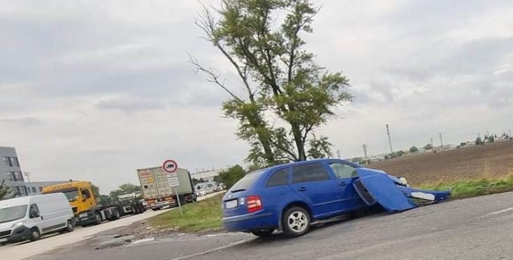 BALESET: Két személykocsi ütközött a dunaszerdahelyi Metransnál