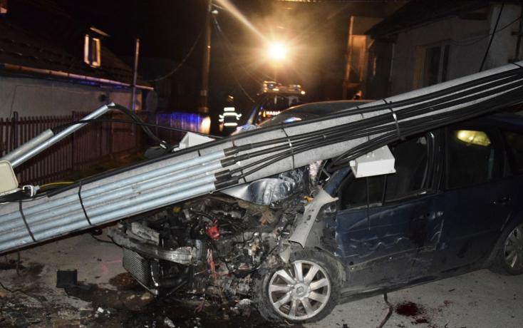 BALESET: A kocsiban utazó három fickóban összesen 9 ezrelék volt, de vajon ki volt a sofőr?