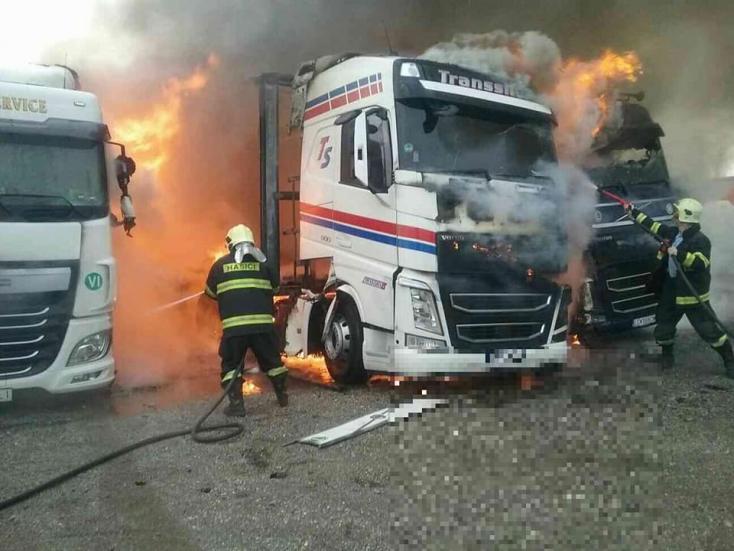 TŰZESET: Kamionok lángoltak Diószegen, óriási a kár! - FOTÓK
