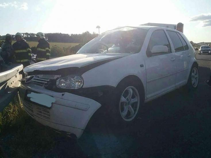 Súlyos baleset: Két személykocsi ütközött, két gyerek a sérültek közt (FOTÓK)