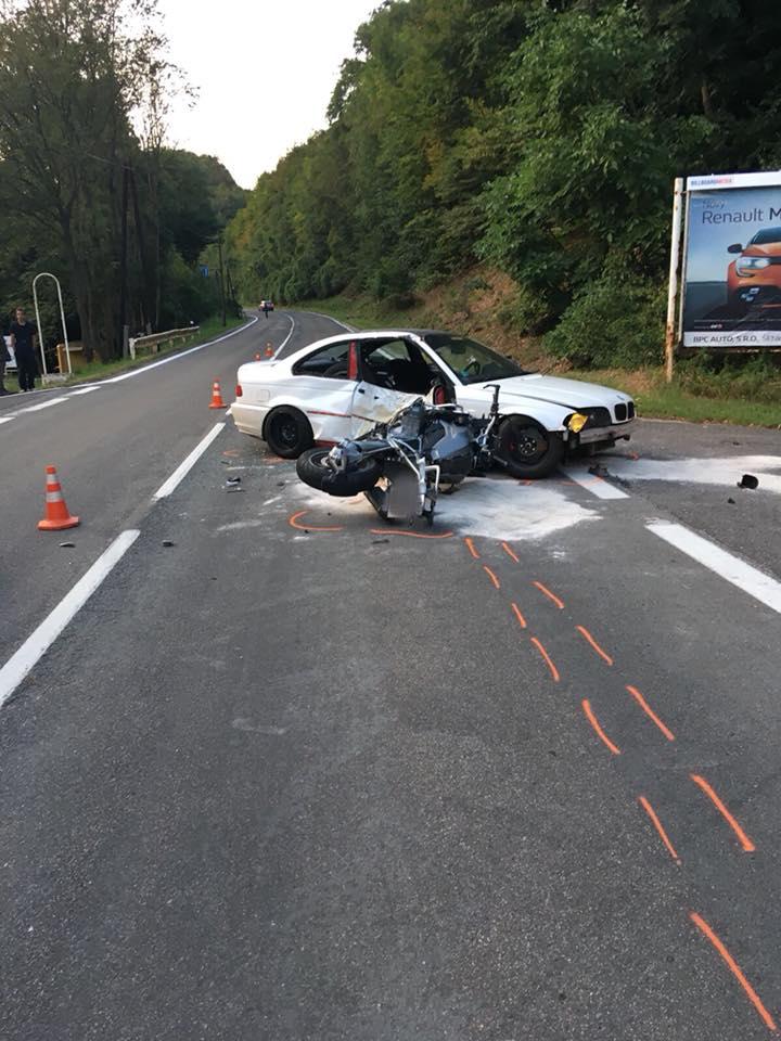 Újabb súlyos baleset – nem adott előnyt a motorosnak a BMW-t vezető fiatal