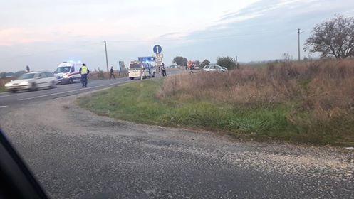BALESET: Három személyautó ütközött Gellénél a 63-as főúton