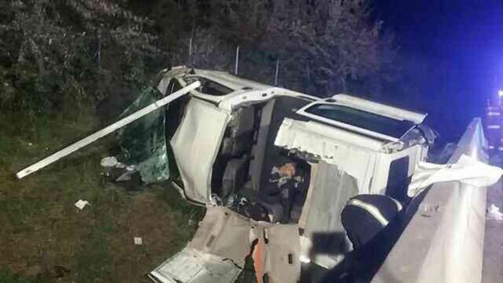 Teherautó és furgon ütközött, ketten súlyosan megsérültek