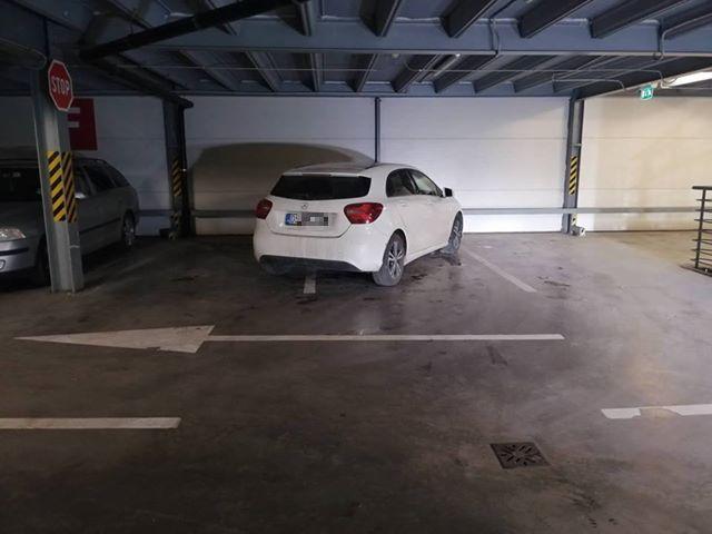 Tapló parkoló a Maxban, avagy Merci, hogy vagy nekem!