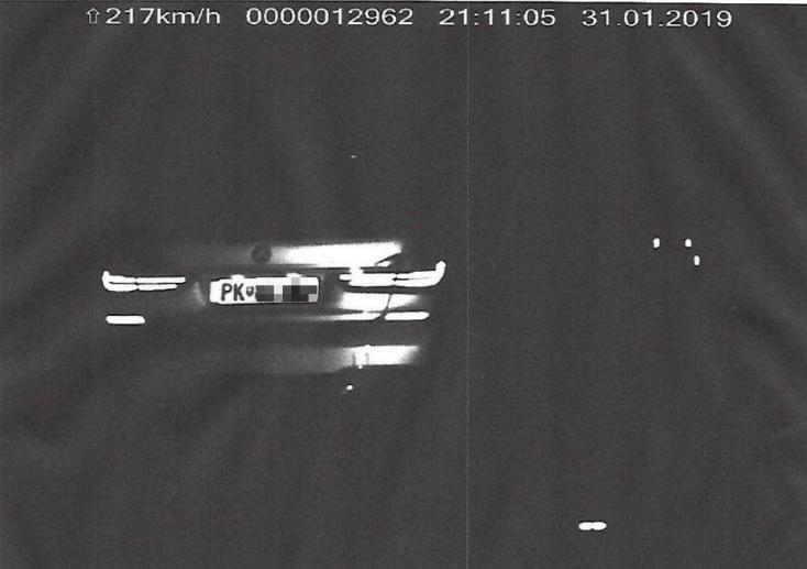 Forma-1-es pilótának képzelte magát a BMW-s, megáll az ész, mennyivel repesztett!