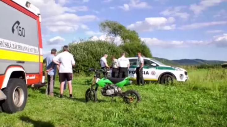 Terepmotoros szenvedett balesetet a mezei úton, mentőhelikoptert riasztottak a helyszínre