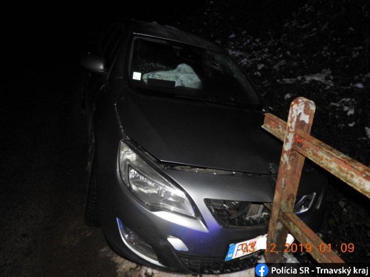 BALESET: Híd korlátjának csapódott egy Opel, hullarészeg volt a kocsit vezető nő