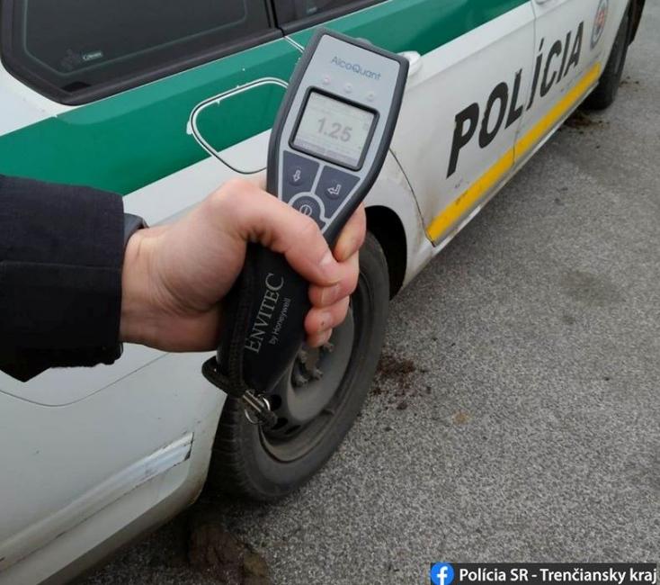 Ittas vezetésen kaptak egy nyugdíjast – a rendőrök hiába kérték tőle a jogosítványát