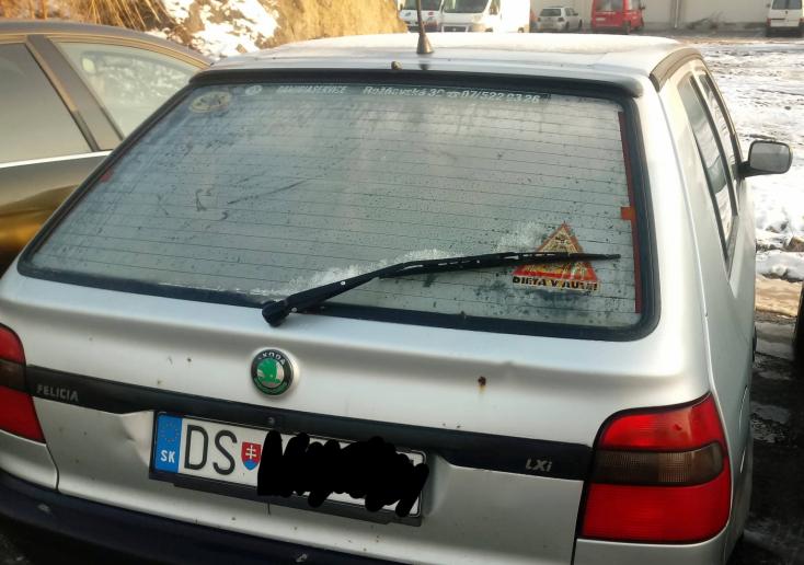 Bunkó feliciás nehezítette meg egy autós életét Dunaszerdahelyen (FOTÓK)