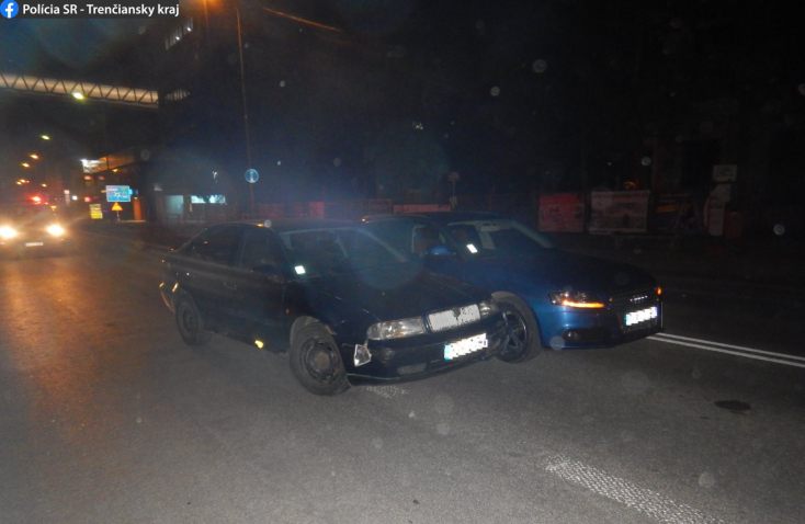 Kétszer is nekiütközött ugyanannak az autónak a forgalommal szemben haladó részeg autós