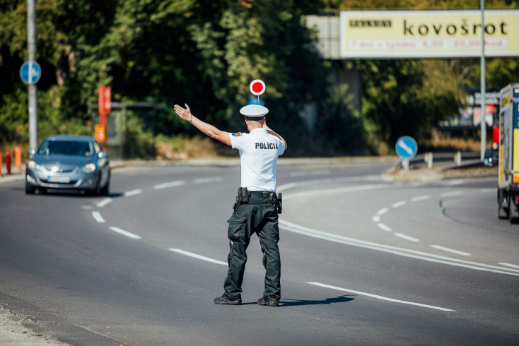 Ittas és telefonáló sofőrökre vadásznak ma a rendőrök a Dunaszerdahelyi járásban