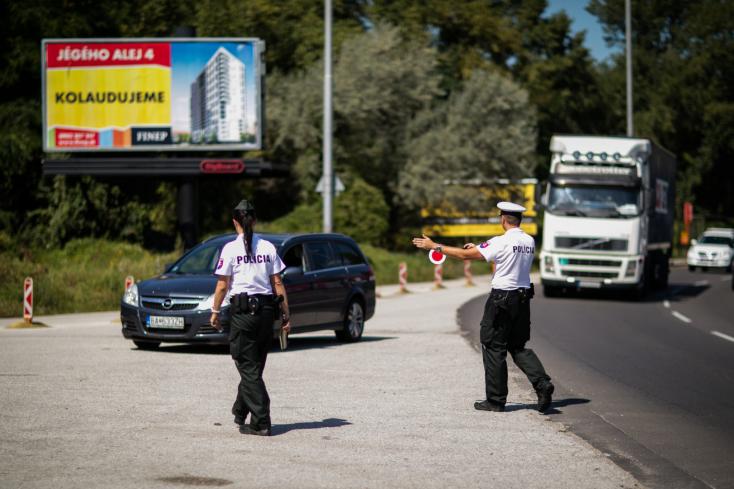 Több mint háromezer sofőrt ellenőriztek a zsaruk múlt héten Nagyszombat megyében