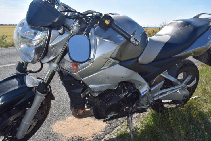 MOTORBALESET: Fiatal suhanc törte össze magát az új Suzukival
