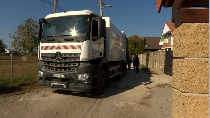 HALÁLOS BALESET: Betonoszlophoz préselte kollégáját a kukásautó sofőrje