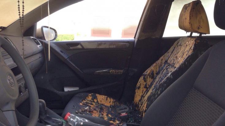 Fel akartak gyújtani két autót Nagyabonyban - 5 000  eurót kap a nyomravezető!