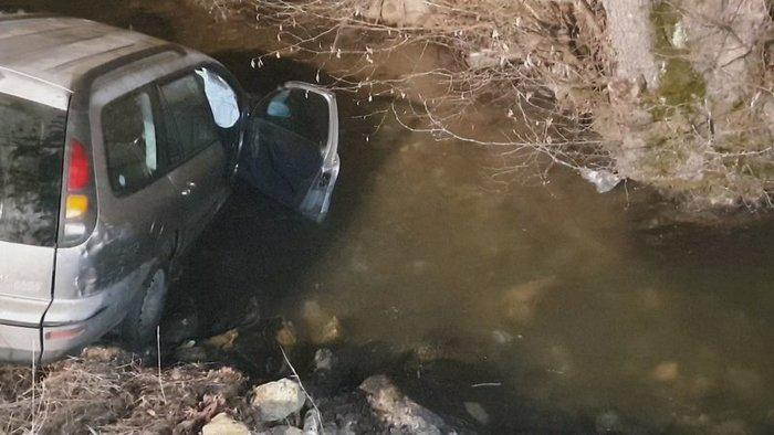 Patakban végezte egy Fiat, benne négy részeg fickóval – állítólag egyikük sem vezetett