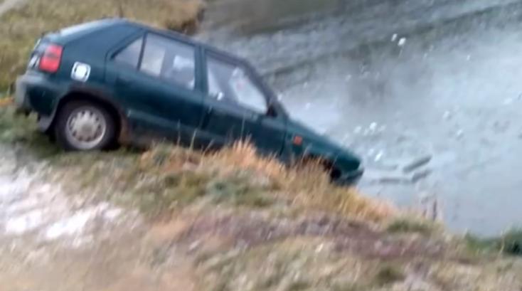 Tóba hajtott autójával egy részeg nő