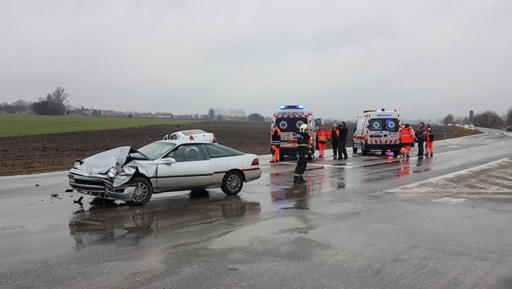 BALESET: Két gépkocsi ütközött a 63-as főúton a dunaszerdahelyi lehajtónál