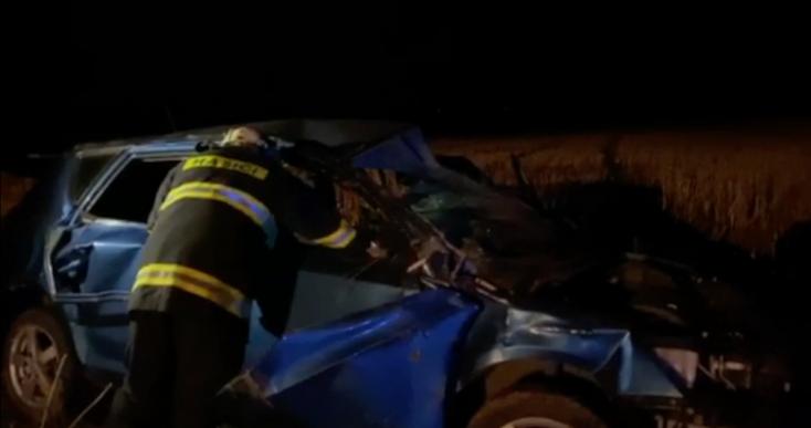 BALESET: Fiatalok borultak fel egy személykocsival, egyikük meghalt