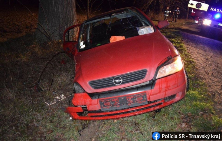 TRAGIKUS BALESET: Kanyarban csúszott ki az Opel Bakánál, csak kamaszok ültek benne